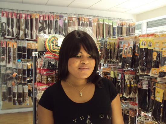 H h may 1 for Salon de coiffure africain lyon